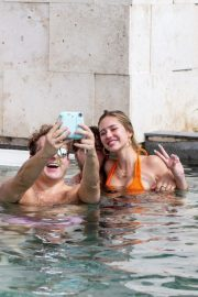 Delilah Hamlin in Bikini and with her boyfriend Eyal Booker at a Pool in Mexico 2020/11/23 3