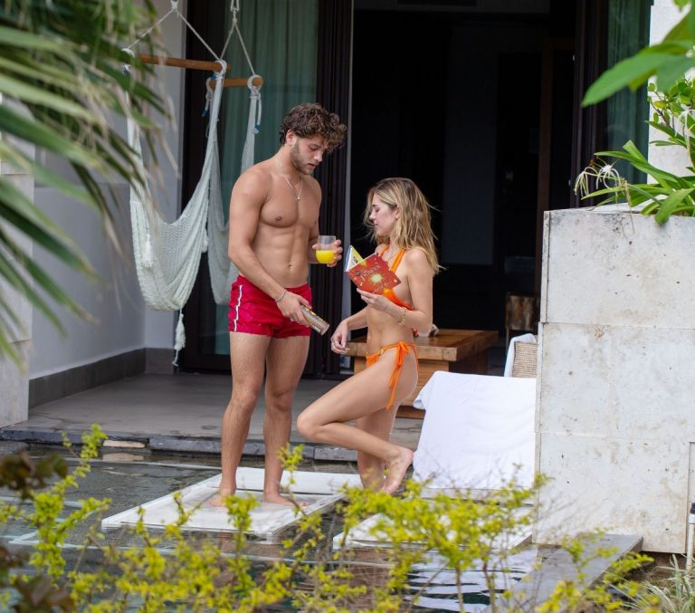 Delilah Hamlin in Bikini and with her boyfriend Eyal Booker at a Pool in Mexico 2020/11/23 9
