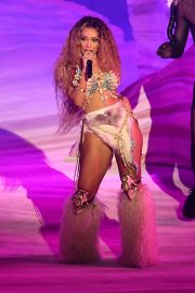 Doja Cat Performs at American Music Awards 2020 in Los Angeles 2020/11/22 3