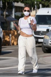Dorothy Wang in White Stylish Top and Bottom Out for Coffee in Beverly Hills 2020/10/28 1