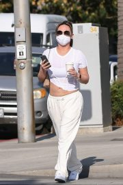 Dorothy Wang in White Stylish Top and Bottom Out for Coffee in Beverly Hills 2020/10/28 6