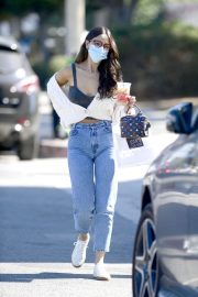 Eiza Gonzalez Out for Coffee in Los Angeles 2020/10/28 2