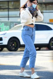 Eiza Gonzalez Out for Coffee in Los Angeles 2020/10/28 3