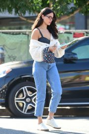 Eiza Gonzalez Out for Coffee in Los Angeles 2020/10/28 9