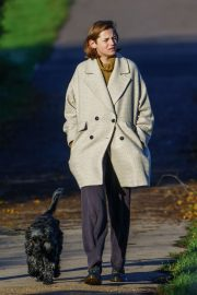 Emma Corrin Out with Her Dog at a Park in London 2020/11/15 8