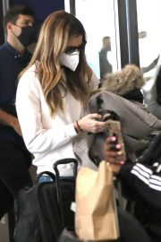 Erin Andrews Arrives at LAX in Los Angeles 2020/11/15 5