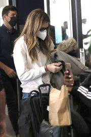 Erin Andrews Arrives at LAX in Los Angeles 2020/11/15 9