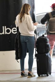 Erin Andrews at Los Angeles International Airport 2020/11/15 2