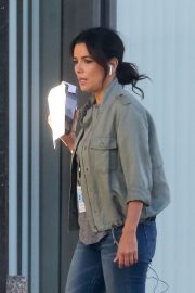Eva Longoria on the Set of a New Movie in Los Angeles 2020/11/22 8