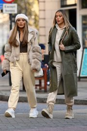 Frankie and Demi Sims walks Out in London 2020/11/27 1