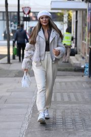 Frankie and Demi Sims walks Out in London 2020/11/27 5
