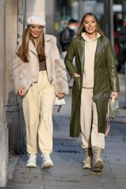 Frankie and Demi Sims walks Out in London 2020/11/27 7