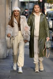 Frankie and Demi Sims walks Out in London 2020/11/27 8