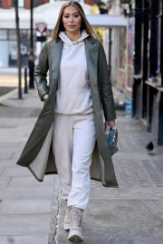 Frankie and Demi Sims walks Out in London 2020/11/27 10