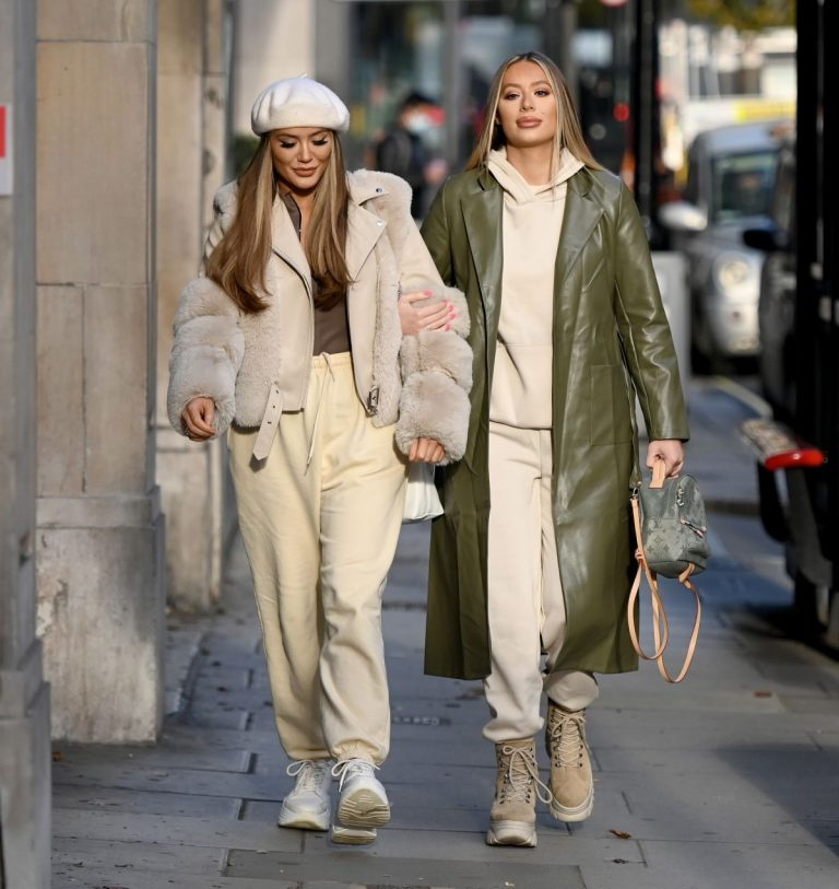 Frankie and Demi Sims walks Out in London 2020/11/27 13