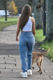 Georgia Steel and Maria Wild walks with her dog out in London 2020/11/23 1