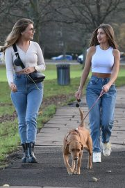 Georgia Steel and Maria Wild walks with her dog out in London 2020/11/23 9
