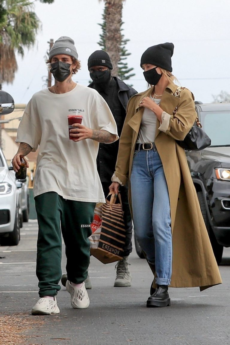 Hailey Rhode and Justin Bieber Out and About in Brentwood 2020/10/22 9