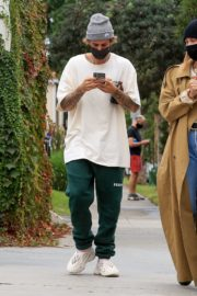 Hailey Rhode and Justin Bieber Out and About in Brentwood 2020/10/22 11