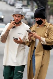 Hailey Rhode and Justin Bieber Out and About in Brentwood 2020/10/22 13