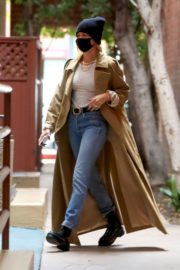 Hailey Rhode Bieber Leaves a Medical Building in Beverly Hills 2020/10/22 3