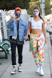 Hannah Stocking Out with her friend in Los Angeles 2020/11/22 1