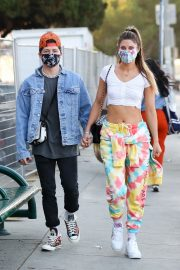 Hannah Stocking Out with her friend in Los Angeles 2020/11/22 4