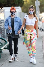 Hannah Stocking Out with her friend in Los Angeles 2020/11/22 5