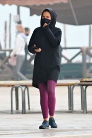 Hayley Atwell Out Jogging in Venice 2020/10/29 3