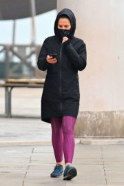 Hayley Atwell Out Jogging in Venice 2020/10/29 5