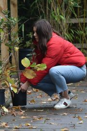 Imogen Thomas Buying Plants at a Garden Centre in London 2020/11/17 3