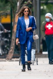 Irina Shayk in Blue Outfit Out and About in New York 2020/10/23 4