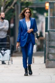 Irina Shayk in Blue Outfit Out and About in New York 2020/10/23 6