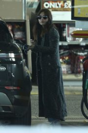 Jenna-Louise Coleman in Long Coat with J at a Gas Station in London 2020/11/15 3
