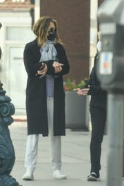 Jennifer Aniston Leaves a Physical Therapy Appointment in Beverly Hills 2020/10/21 1