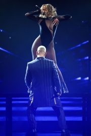 Jennifer Lopez Performs at American Music Awards 2020 in Los Angeles 2020/11/22 11