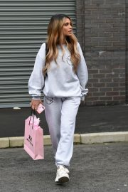 Joanna Chimonides in Grey Sweatshirt with Pants Out in Manchester 2020/11/27 8