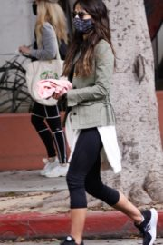 Jordana Brewster at Blue Bottle Coffee in Brentwood 2020/10/22 1