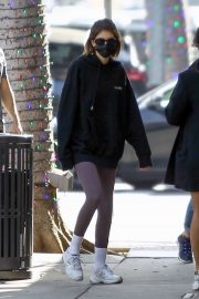Kaia Jordan Gerber in Black Sweatshirt with Tights Out in Beverly Hills 2020/11/21 1