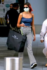 Kaia Jordan Gerber in Short Tank Top with Lining Pants Out in New York 2020/09/08 2