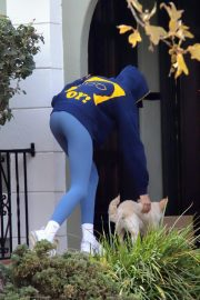 Kaia Jordan Gerber Out with her Dog in West Hollywood 2020/11/23 1