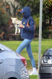 Kaia Jordan Gerber Out with her Dog in West Hollywood 2020/11/23 2
