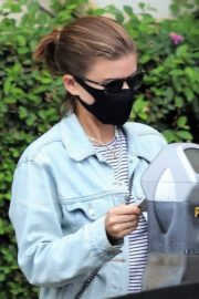 Kate Mara Wearing a Mask Out in Beverly Hills 2020/10/22 1