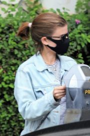 Kate Mara Wearing a Mask Out in Beverly Hills 2020/10/22 2