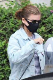 Kate Mara Wearing a Mask Out in Beverly Hills 2020/10/22 6