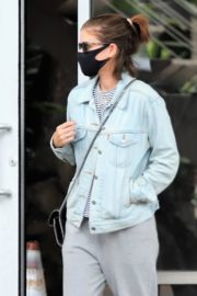 Kate Mara Wearing a Mask Out in Beverly Hills 2020/10/22 7