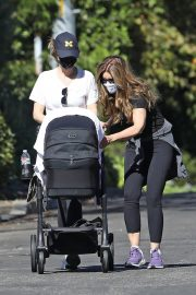 Katherine Schwarzenegger and Maria Shriver Out in Brentwood 2020/11/15 7