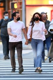 Katie Holmes and Emilio Vitolo Jr Out in New York 2020/11/22 2