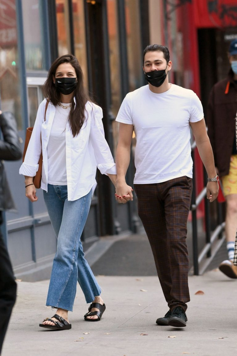Katie Holmes and Emilio Vitolo Jr Out in New York 2020/11/22 8