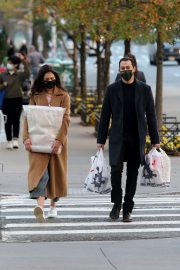 Katie Holmes and Emilio Vitolo Out Shopping in New York 2020/11/16 3